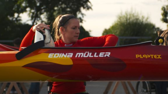 Edina Müller canoe practice for paralympics being olympic champion in wheelchair basketball and mother brave stories