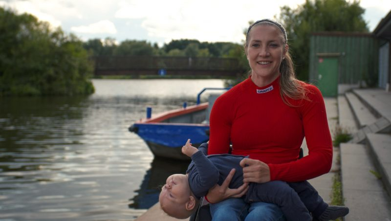 Edina Müller canoeist praciting for paralympics and mother being a strong woman at brave stories